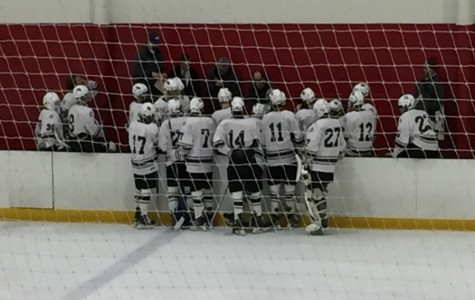 Boys' Hockey falls to Chelmsford