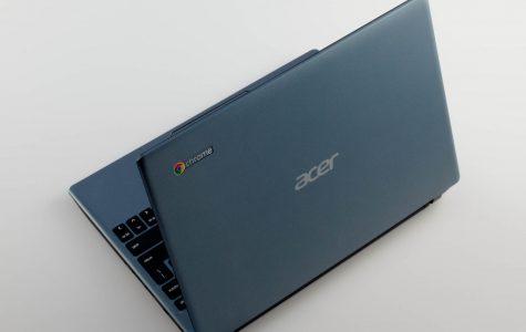 Freshmen address new Chromebooks
