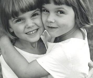 The Sennott sisters reveal their bond as twins