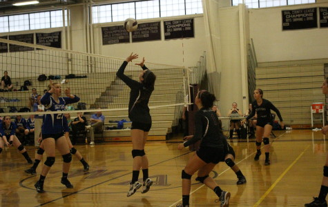 Girls' volleyball defeated by Bedford