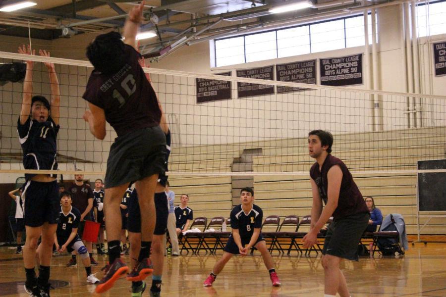 Junior+Michael+Baltyan+reaches+for+the+ball.