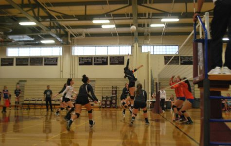 WA Girls' Volleyball falls to Newton-South