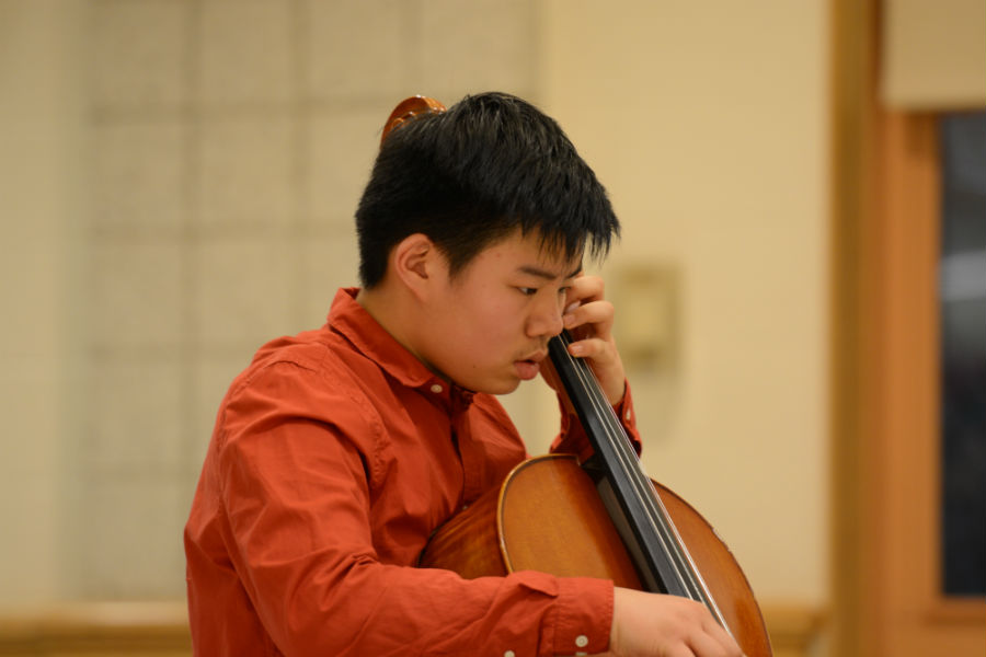 Sophomore+Anthony+Ma+on+cello.