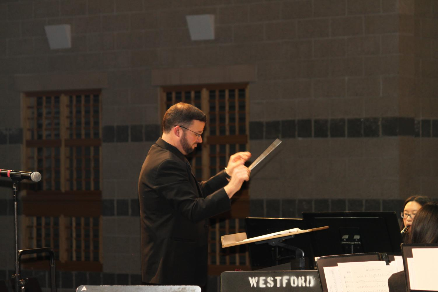 Band+Director+George+Arsenault+conducts+the+musicians+during+%27Kentucky+1800%27.