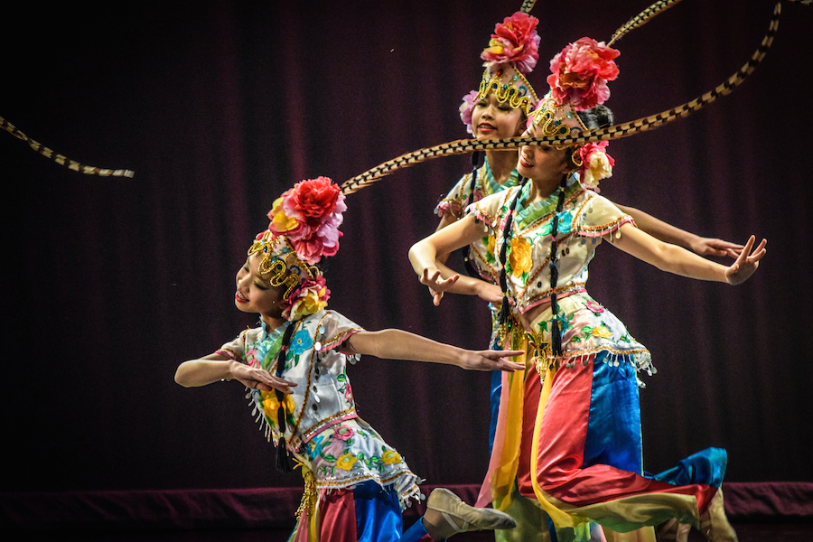 Dancers+from+Boston%27s+Chinese+Folk+Art+Workshop+perform+an+upbeat+dance+they+call+the+%22JingLing+Dream%22.
