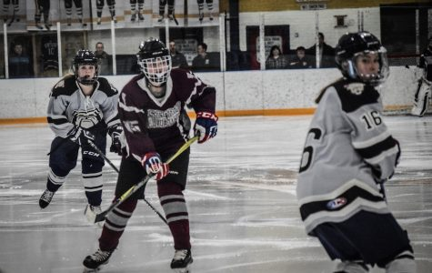 WA Girls' Varsity Ice Hockey loses last game 3-0
