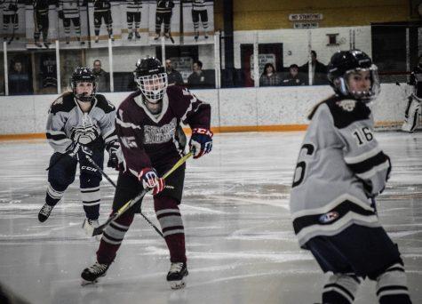 WA Girls' Varsity Ice Hockey loses last game 3-0