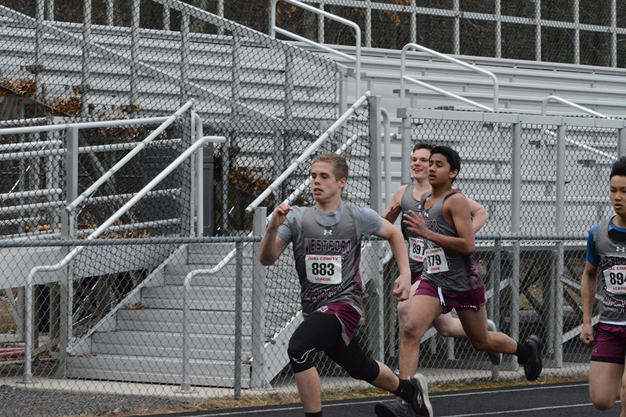 During+a+400+meter+event+run+by+junior+varsity+boys%2C+Westford+Academy+pulled+ahead+in+the+race.