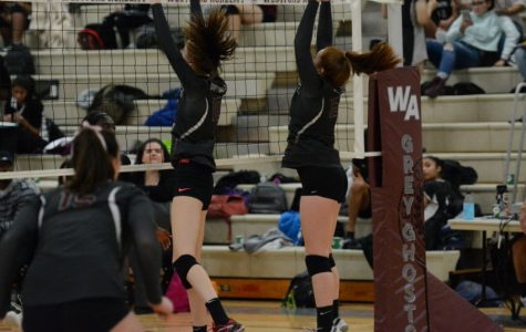 Girls' Volleyball takes 3-0 victory on Senior Night