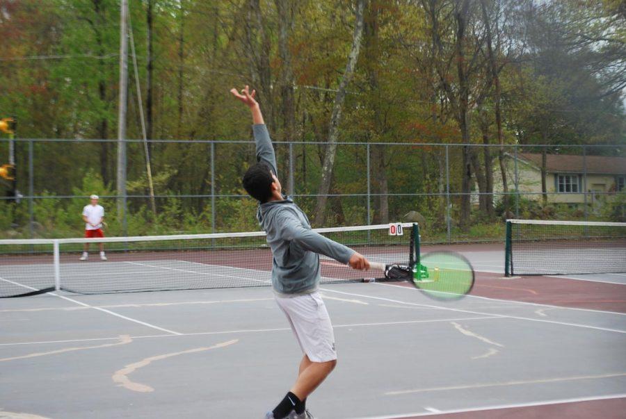 Arun-Rajesh throws the ball