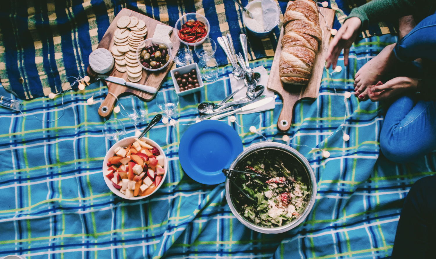 As+cheesy+as+they+may+seem%2C+picnics+are+actually+a+great+way+to+spend+time+with+the+people+in+your+life.+Picnics+allow+for+people+to+easily+enjoy+the+fresh+air+and+the+company+of+others.+The+location+does+not+have+to+be+special+or+hard+to+get+to%2C+just+somewhere+where+there+is+green+grass%2C+a+fresh+breeze%2C+and+good+people.+Bring+your+friends%2C+families%2C+or+even+just+your+pets+and+relish+in+the+simplicity+of+summer+and+the+good+weather+it+offers+because+in+New+England+the+weather+is+always+changing.