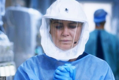 Meredith Grey fights the COVID-19 pandemic in Grey's Anatomy season 17.